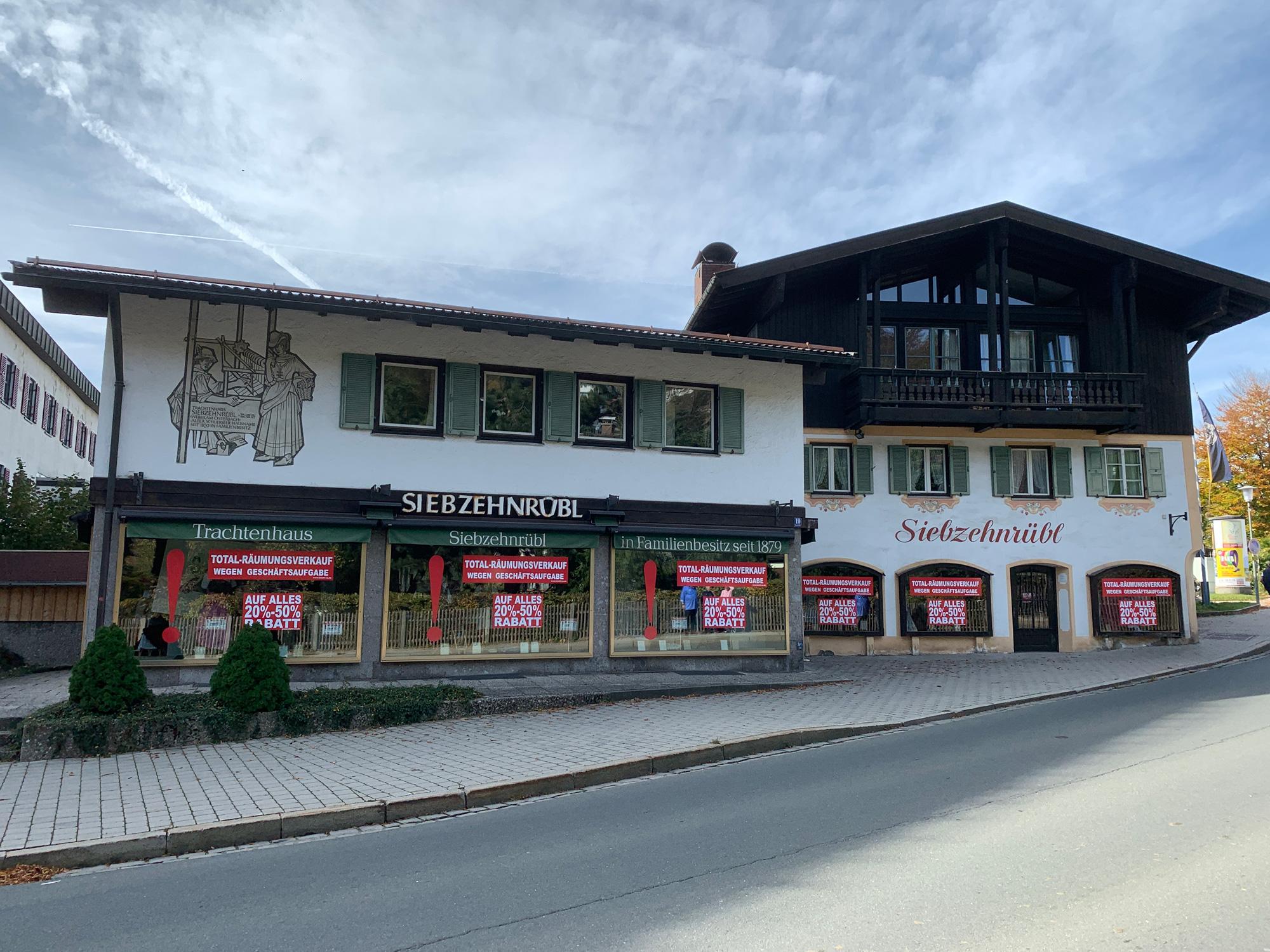 Leicht_und_co_ladeneinrichtung-gebraucht-de-Trachtenhaus-Siebzehnruebl-Titel